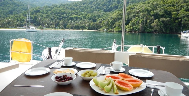 Costa Verde Cruise Breakfast