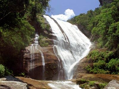 Gato Waterfall; Ilhabela