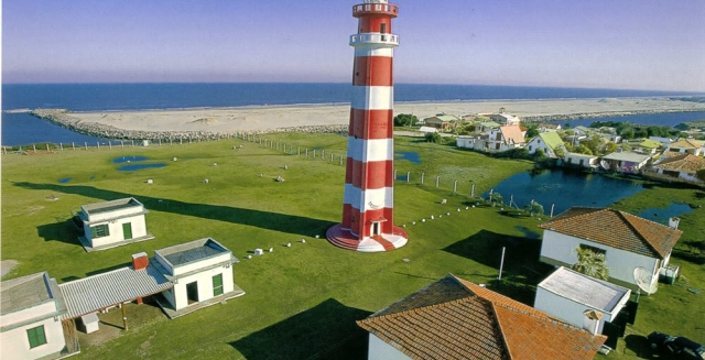 Farol de Chui at the border between Brazil and Uruguay, Lighthouse Trek