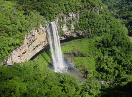 Caracol Waterfall, Canela